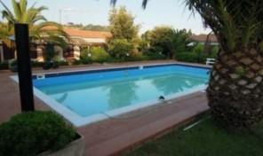 Villetta a schiera con piscina (6/8 pax)- rif.17