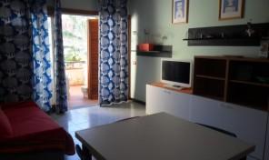 Appartamento con piscina – 2/4 pax (rif.13)