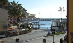 Porto Azzurro. Ottimo come affittacamere.