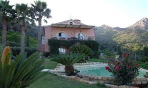 P.Azzurro, Villa con piscina/v. mare (rif.578B)
