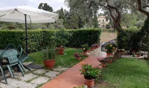 Porto Azzurro, Appartamento con giardino (rif.127)