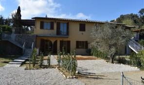 Capoliveri, appartamento con giardino (rif.555)