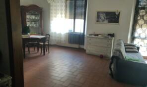 Piombino, centro. Appartamento con mansarda