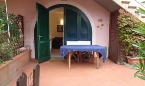 Porto Azzurro, trilocale con giardino e garage (rif.31)